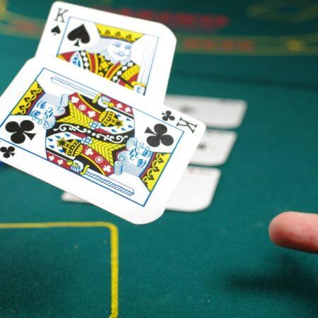 Texas Hold'em ja muut pöytäpelit esittelyssä