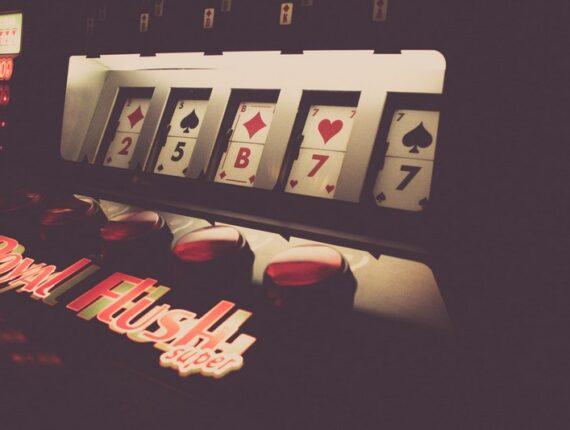 Miten valita kaikista paras nettikasino pokerin pelaamiseen
